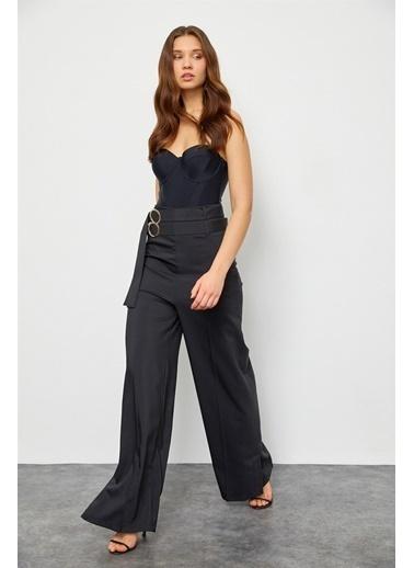 Setre Siyah Yüksek Bel Tokalı Bol Paça Kumaş Pantolon Siyah